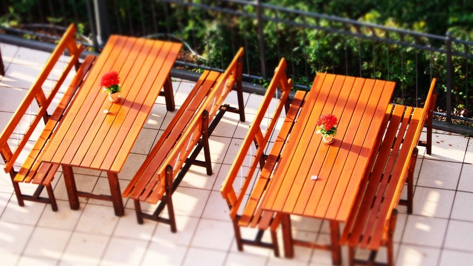 dining restaurant tables