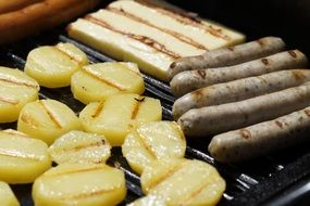 grill sausage with potatoes
