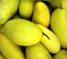 healthy sweet fresh mango fruit