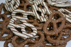 pretzels in white and black chocolate