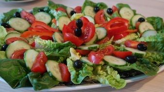 salad plate with leaf lettuce