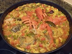 paella food