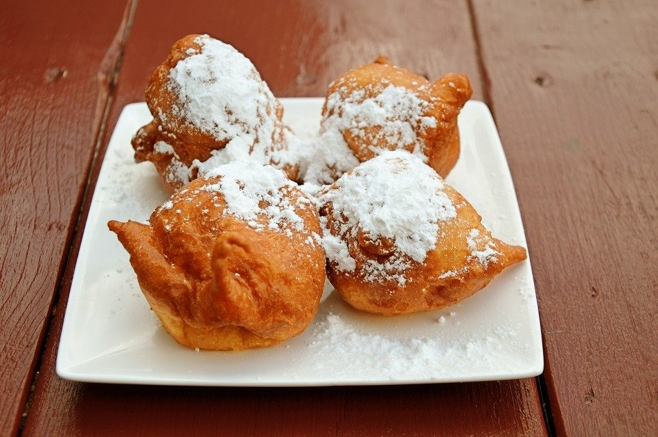 deep-fried sweets under powdered sugar