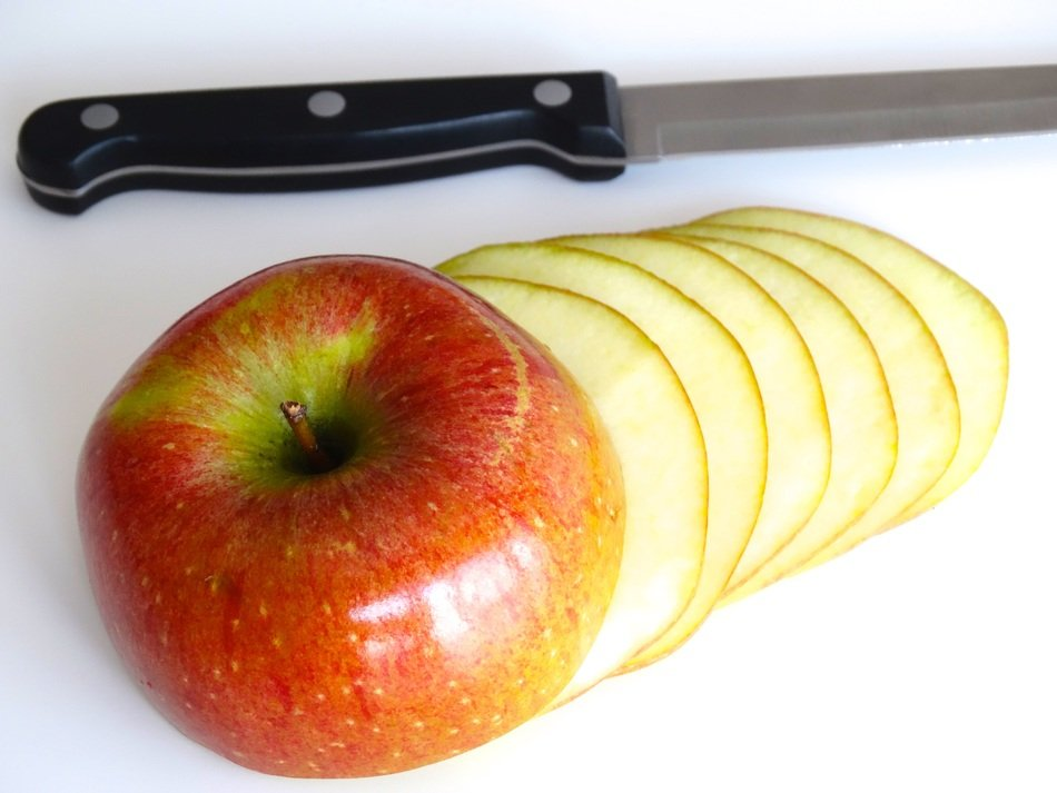 sliced juicy apple