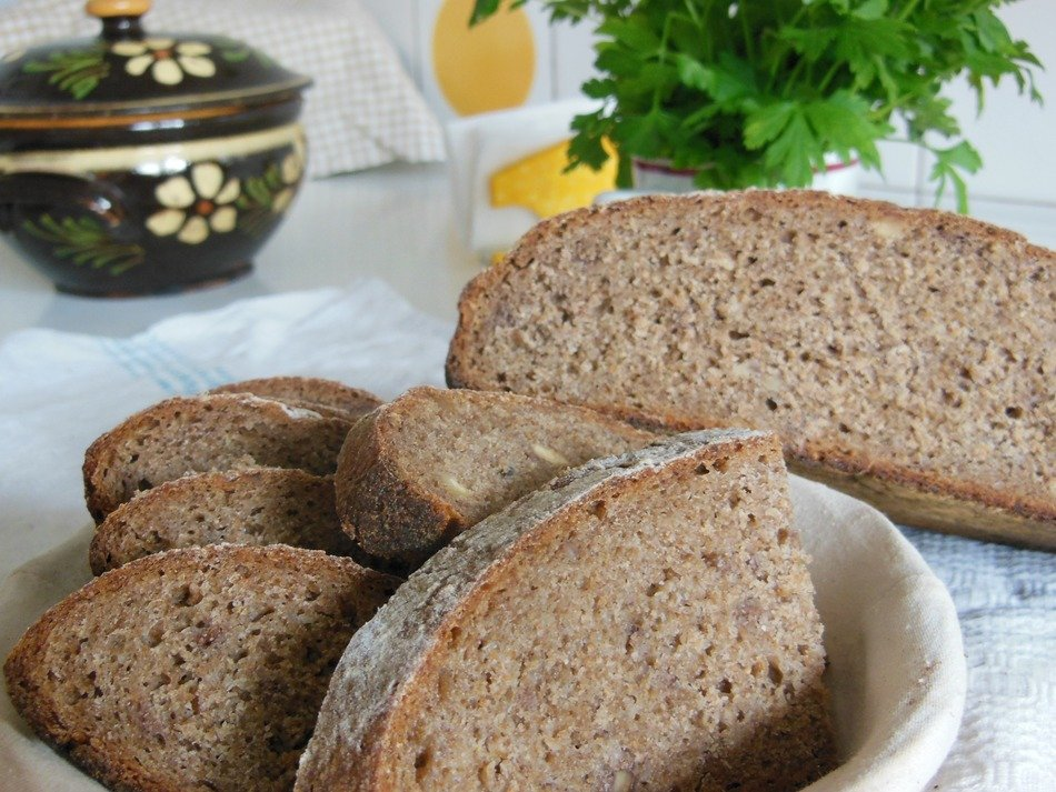 rye bread in a white bowl