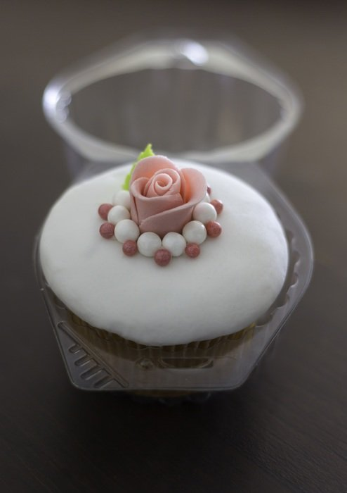 rose decorated cupcake