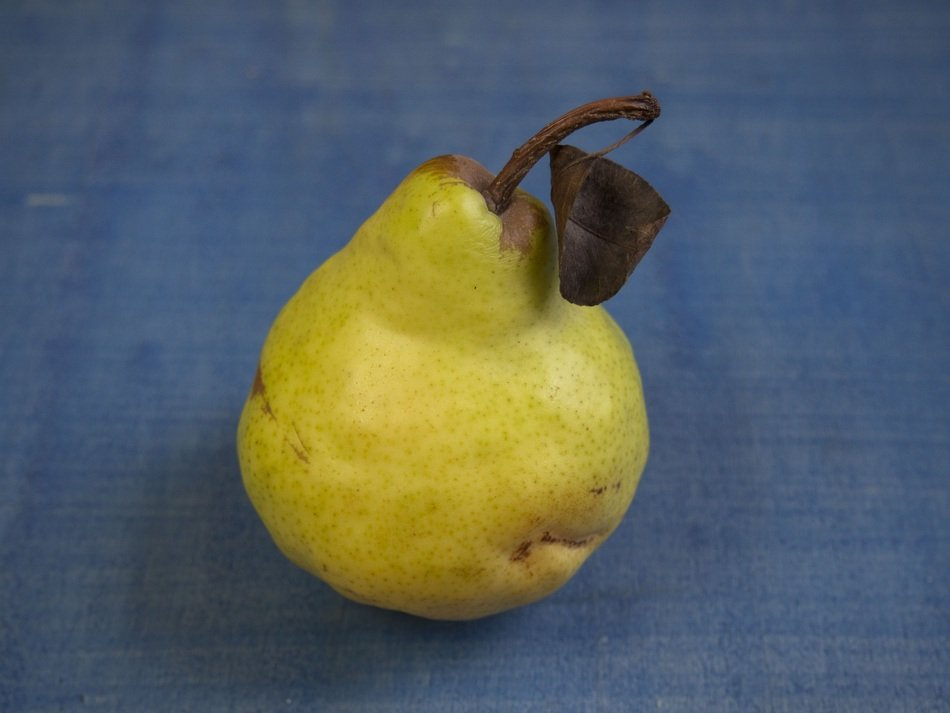 pear on the table