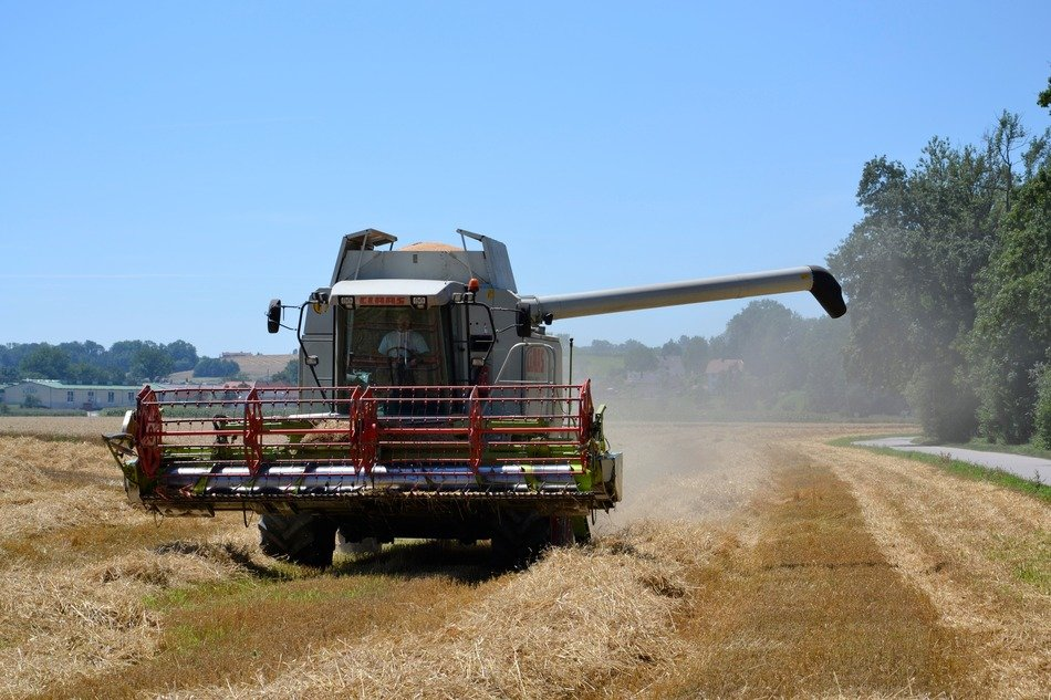 combine harvester bower on the field