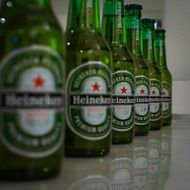 beer heineken green drink drinking