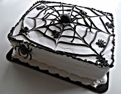 incredibly tasty halloween spider cake