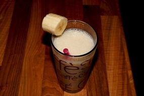 milkshake with banana