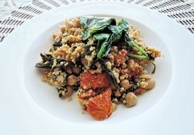 couscous with spinach and dried tomatoes