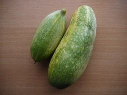 cucumbers of different sizes