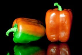 red and green peppers for a healthy food