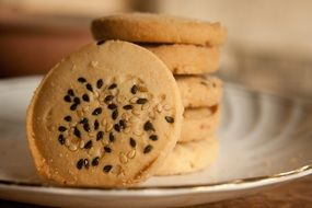 sugar cookies with sesame seeds