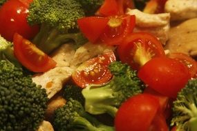 Organic fresh healthy salad made of tomatoes,broccolies and bread