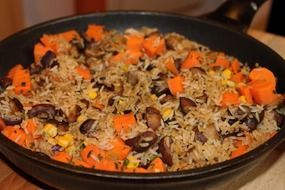 rice with carrots and meat