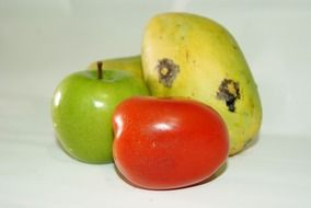 Перевести tomato, apple and mango