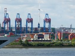 container handling in Hamburg