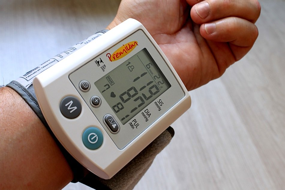 a machine that measures the persons blood pressure