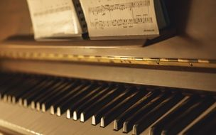piano keyboard instrument music