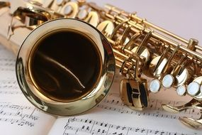 saxophone music gold gloss