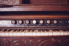 Old keyboard instrument
