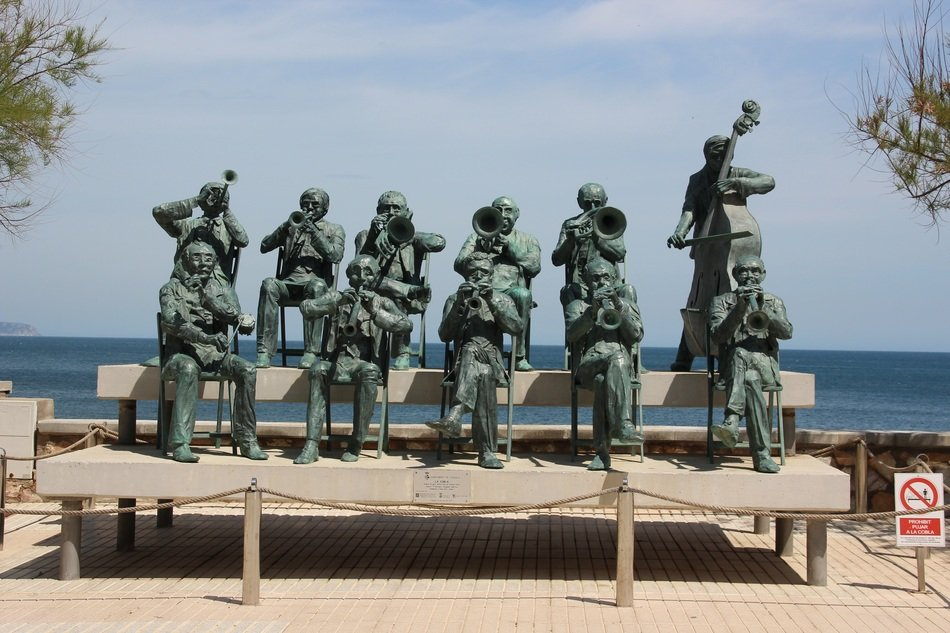 sculpture of a musical group in Spain