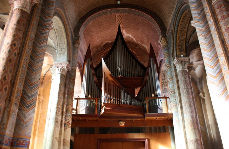 church organ with trumpets