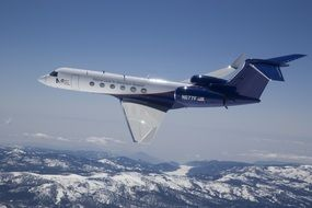 gulfstream aircraft flying