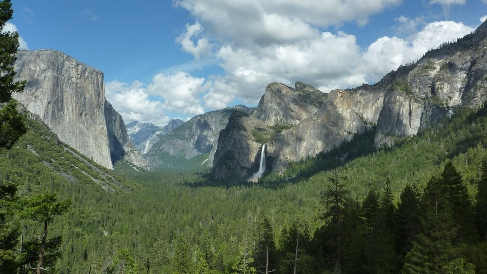 Landscape of beautiful Yosemite National Park with the waterfall