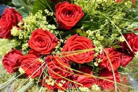 magnificent red roses bouquet