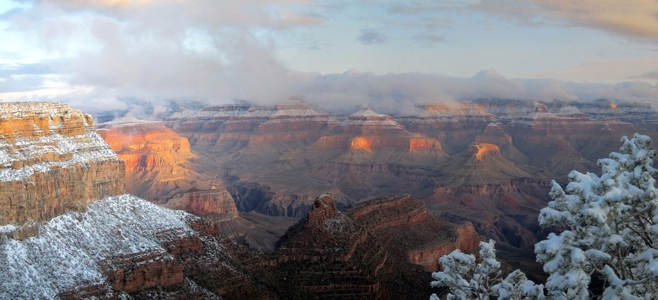 landscape of the mountains in grand canyon