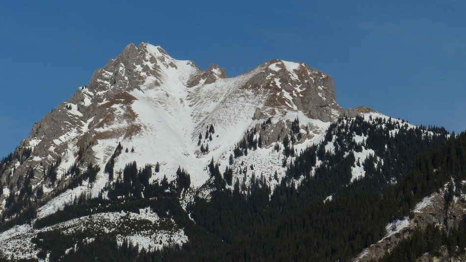 alpine mountains in tyrol