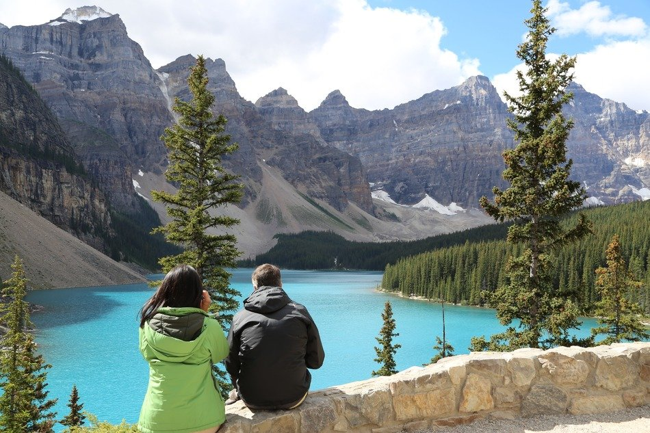 blue-green color of moraine lake