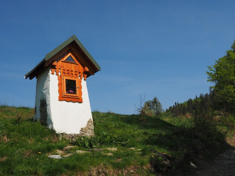 chapel among hiking trails in the poland mountains
