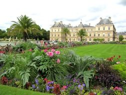 garden and Luxembourg Palace