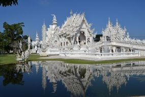 wat rong khon white temple thailand