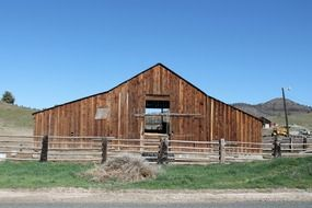old west barn, oregon
