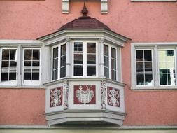 pink bay window