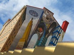 wall painting on a multi-storey building