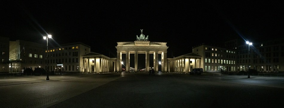 the brandenburg gate berlin germany