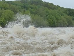high waves of the Danube