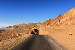Road to the Death Valley in California