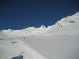 skiing tracks in Solden