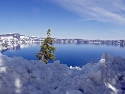 Amazing Landscape of crater lake in Oregon