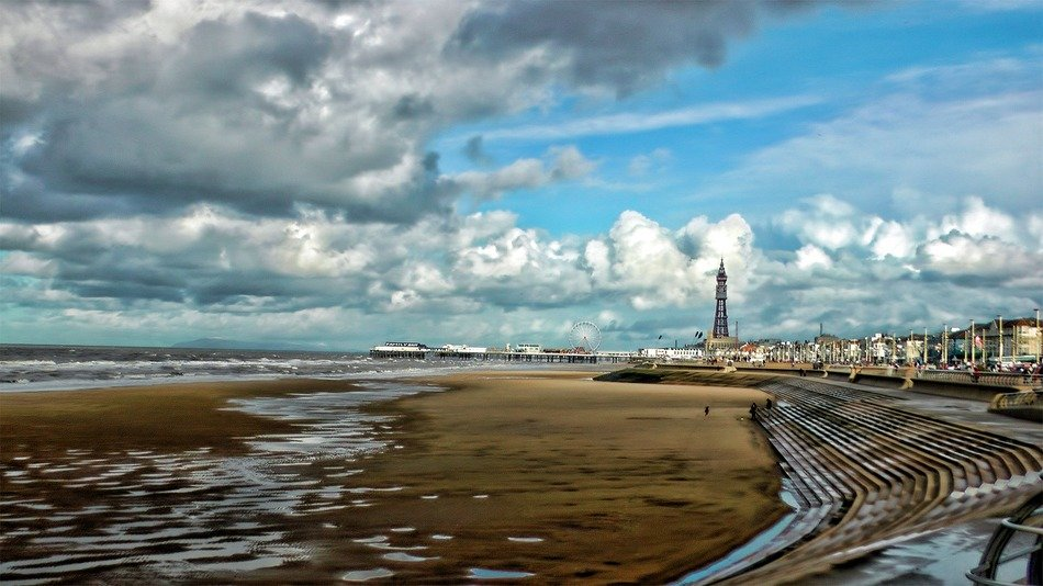 panoramic view of the coast in blackpool