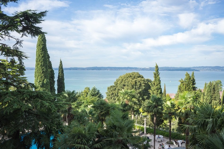 the beautiful scenery of Lake Garda