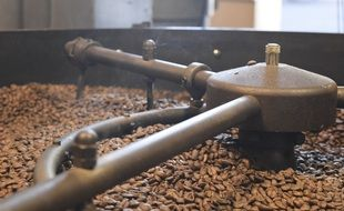 roasting of fragrant coffee beans