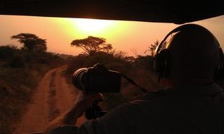 photographer takes pictures of nature in Uganda